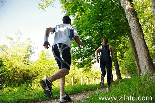 跑步机锻炼与户外锻炼哪个效果好,哪个更健康?